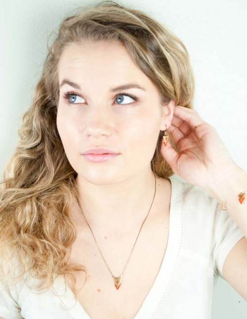 mementomori-bijoux-createur-boucle-oreille-sautoir-collier-femme-portrait-0038