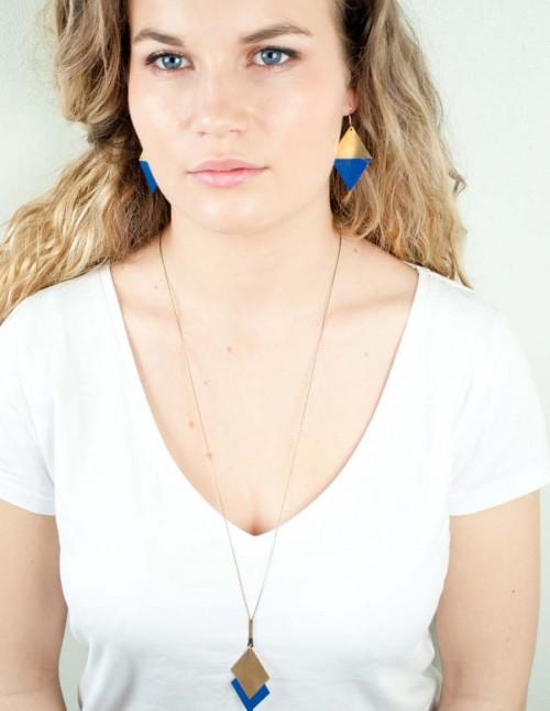 mementomori-bijoux-createur-boucle-oreille-sautoir-collier-femme-portrait-0075