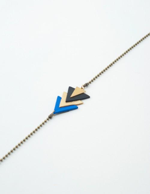 bijoux,tete,mementomori,cuir,laiton,femme,createur,fantaisie,triangle,or,laiton